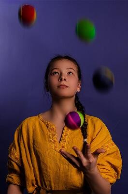 Trader juggling